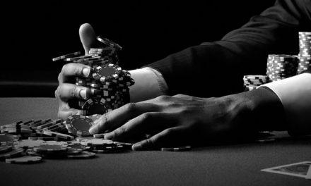 Como ganhar do cara que está sempre apostando — contra-atacando uma estratégia agressiva de poker