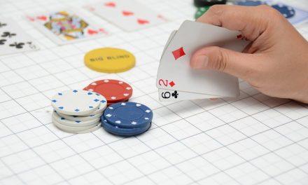 Como analisar sua mão de poker de forma efetiva em 5 minutos
