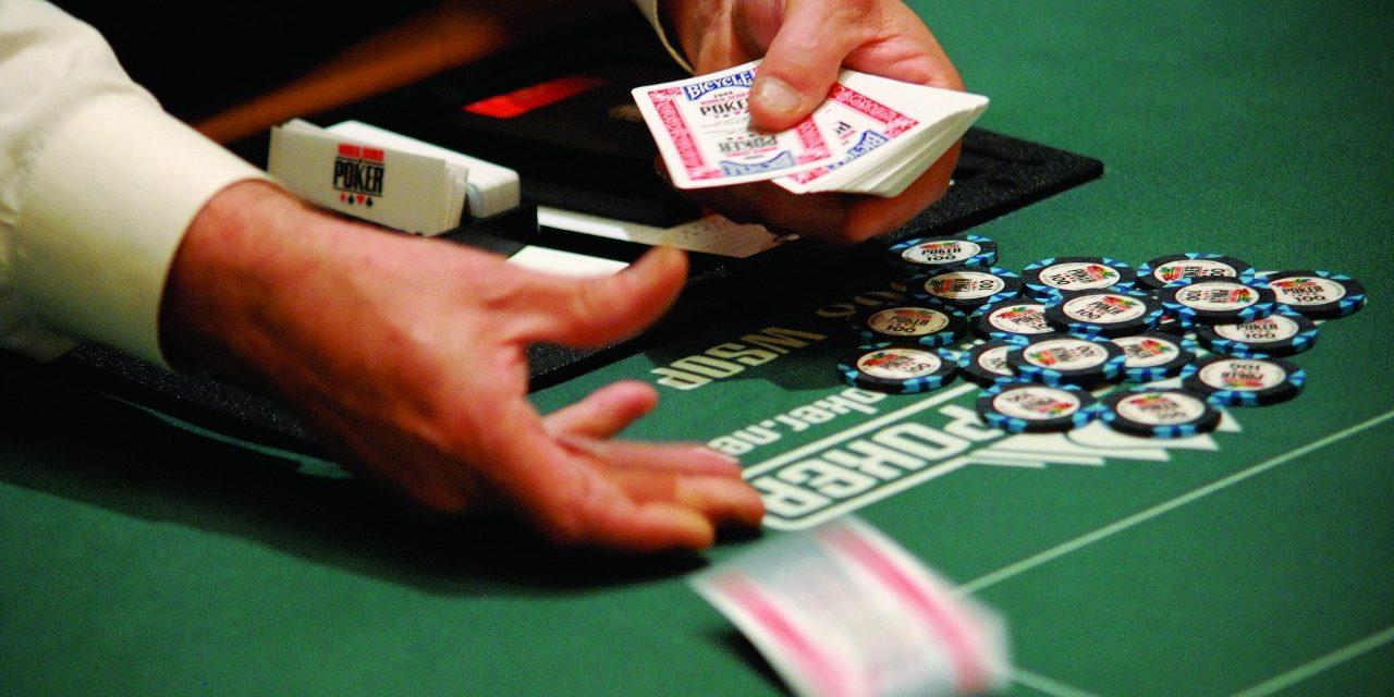 Destrua nos jogos de poker ao vivo através dessas 8 táticas