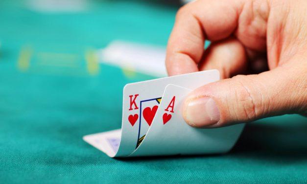 Saiba como usar blockers para blefar em uma mesa de poker